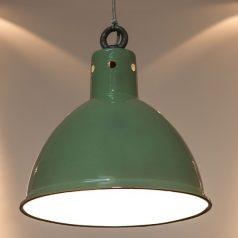 Lampy industrialne, czyli przemysłowa stylistyka na salonach