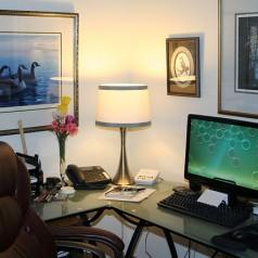 Jak oświetlić domowe biuro?