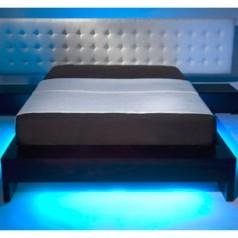 Nastrojowe-ledowe oświetlenie sypialni